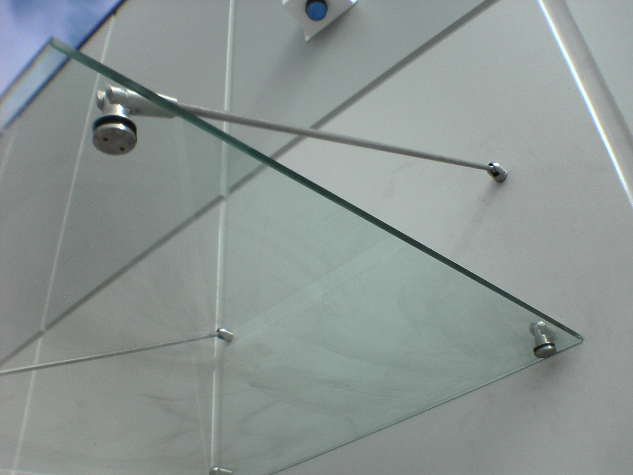 Detail of stainless steel fittings and clear glass · Commercial Canopy & Trinity Steel Canopies - Trinity Steel